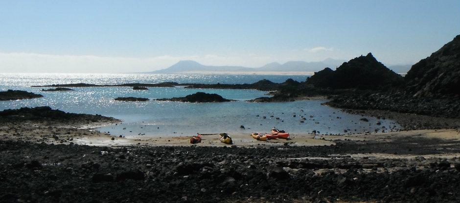Kayaks on the beach on Lobos island